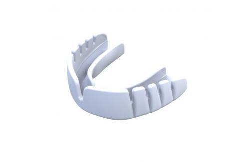 Chrániče zubů - OPRO UFC - Snap-Fit Junior- bílá bílá Boxerské chrániče
